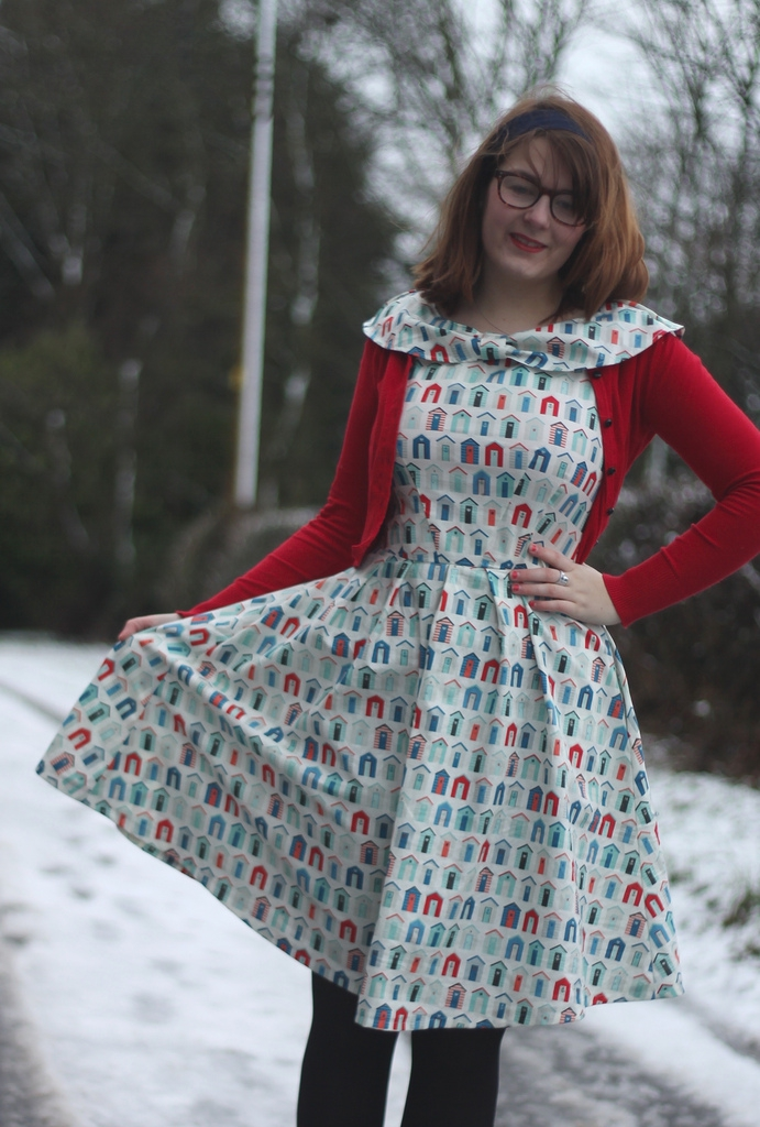 beach huts dress simplicity 2444