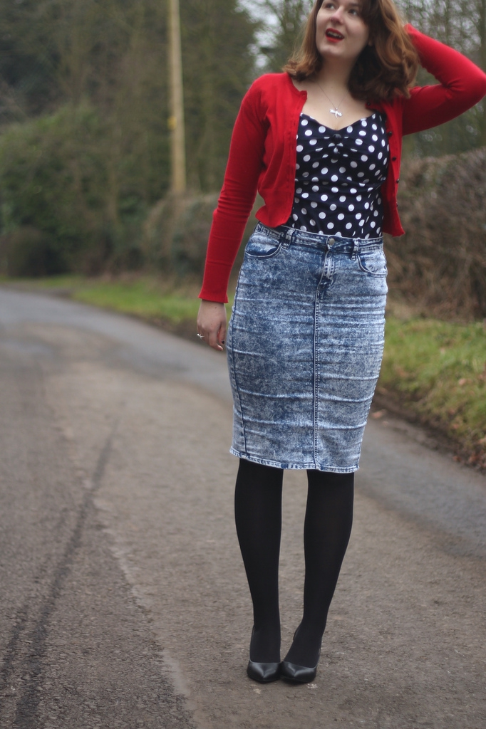 collectif retro top with pencil skirt