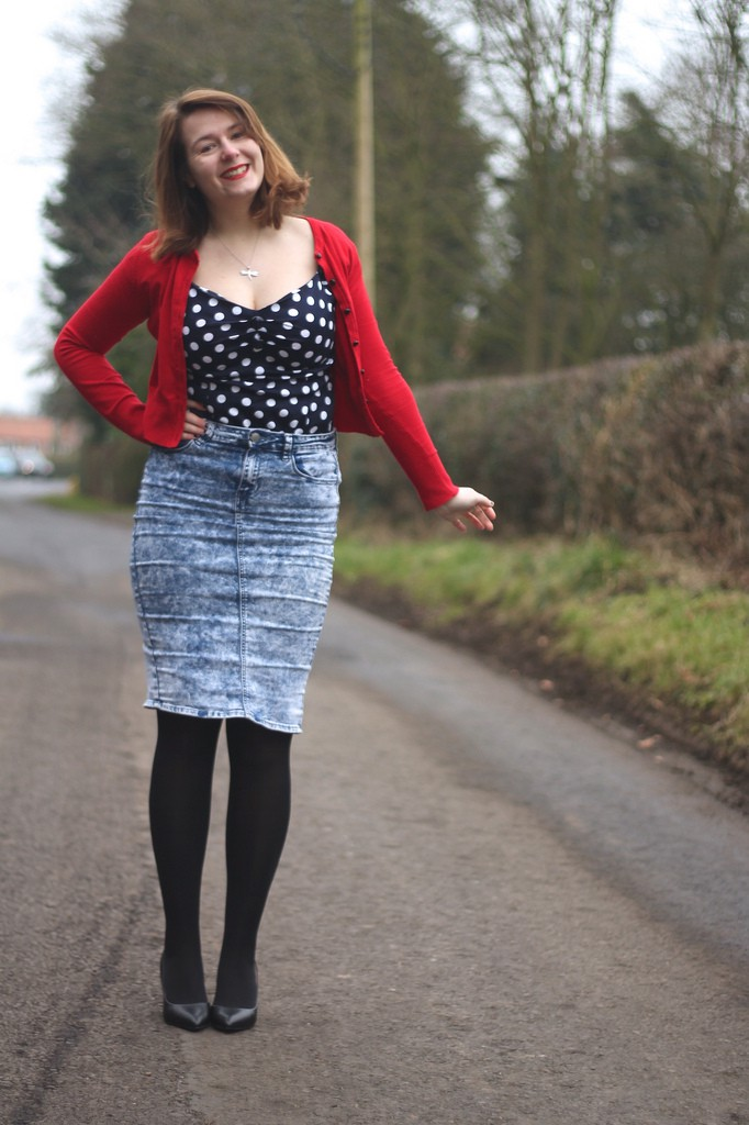 retro outfit with collectif polka dot top