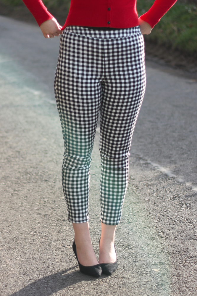 Checked capri trousers