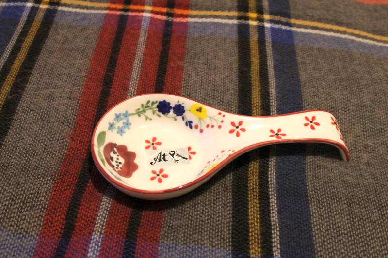 At home with Ashley Thomas Designer cream ceramic floral spoon rest
