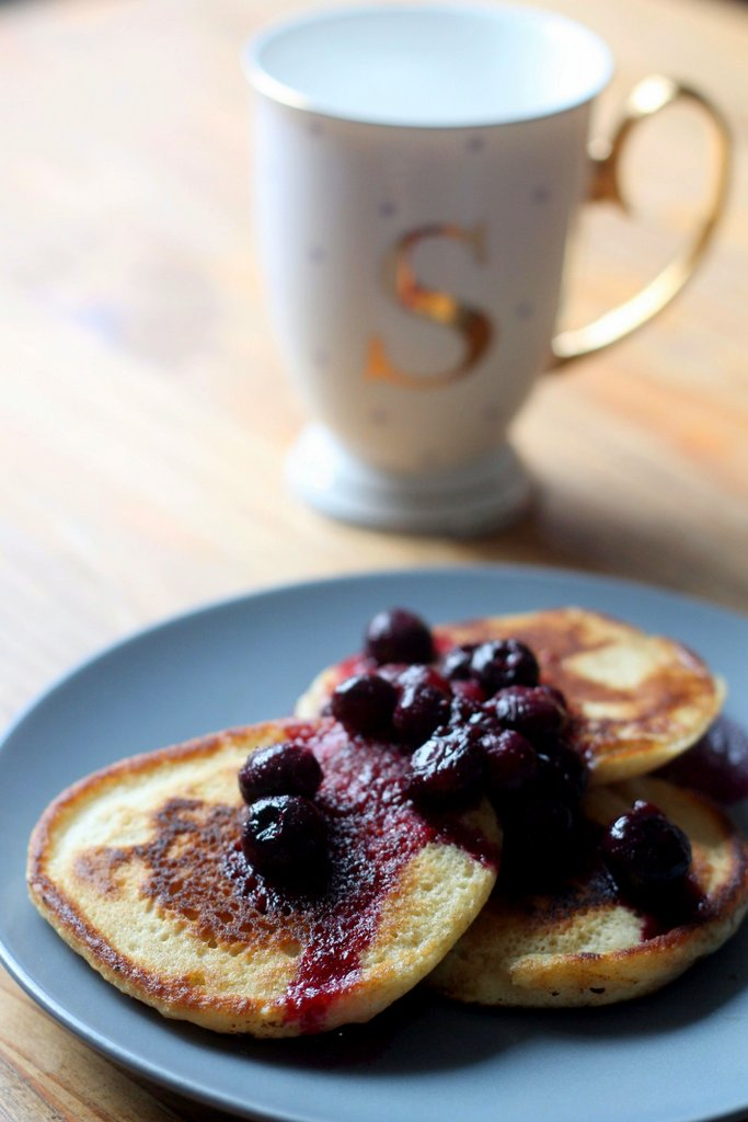 Rick Stein Pancakes with blueberry & lemon