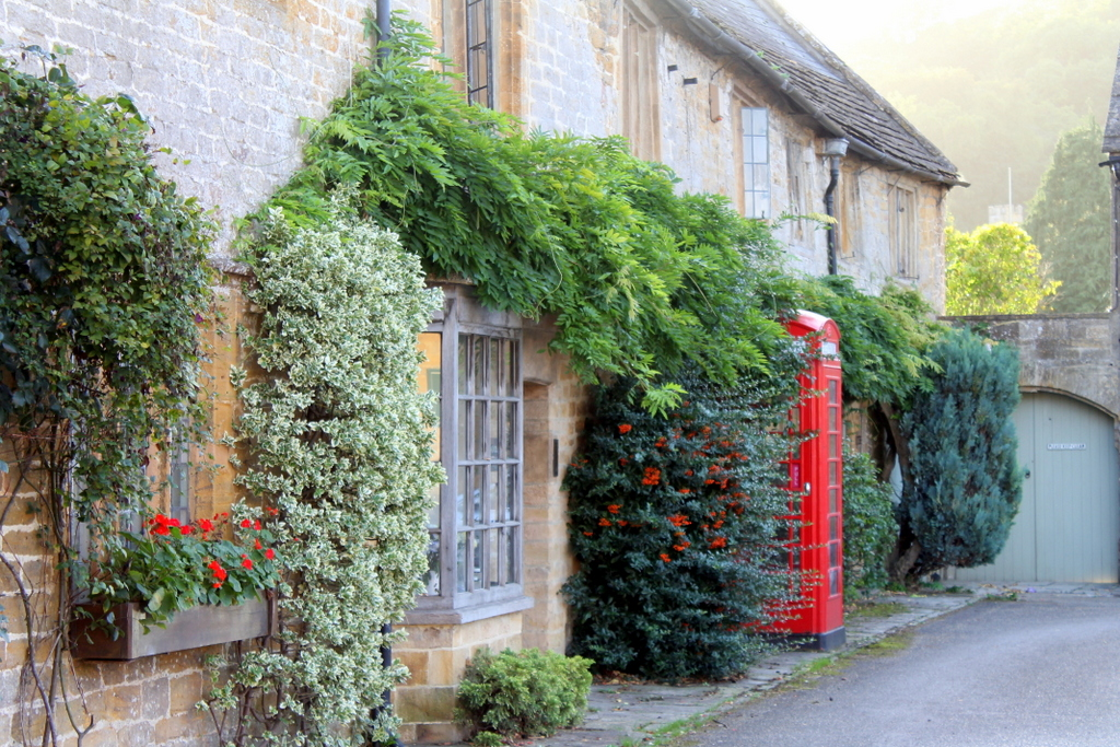 Montacute Airbnb: Estate Office, the old Dairy