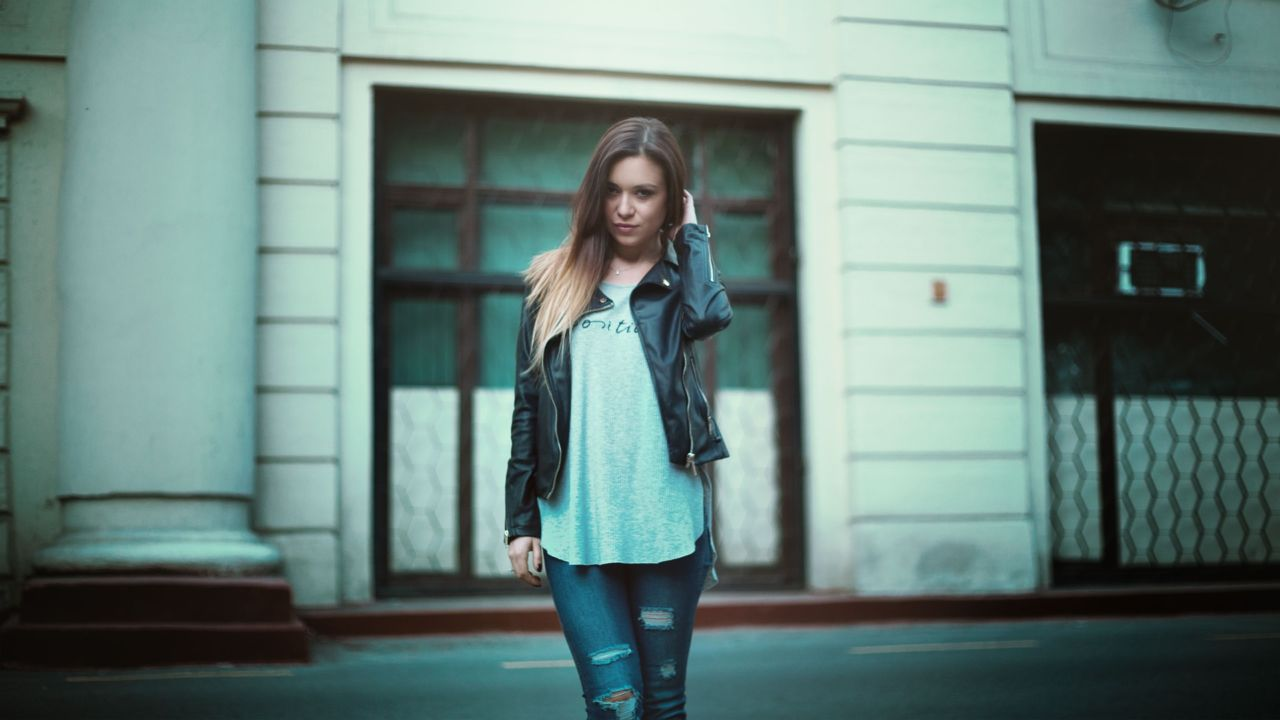 Leather jacket, torn jeans
