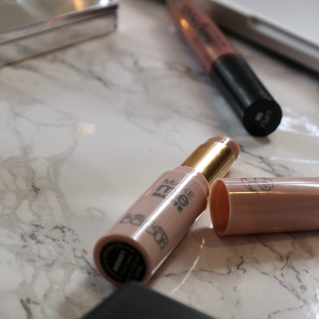 Make Me Matte Lipstick Mattifier by Saturated Colour review