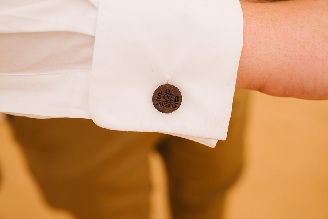 Wooden groom cufflinks