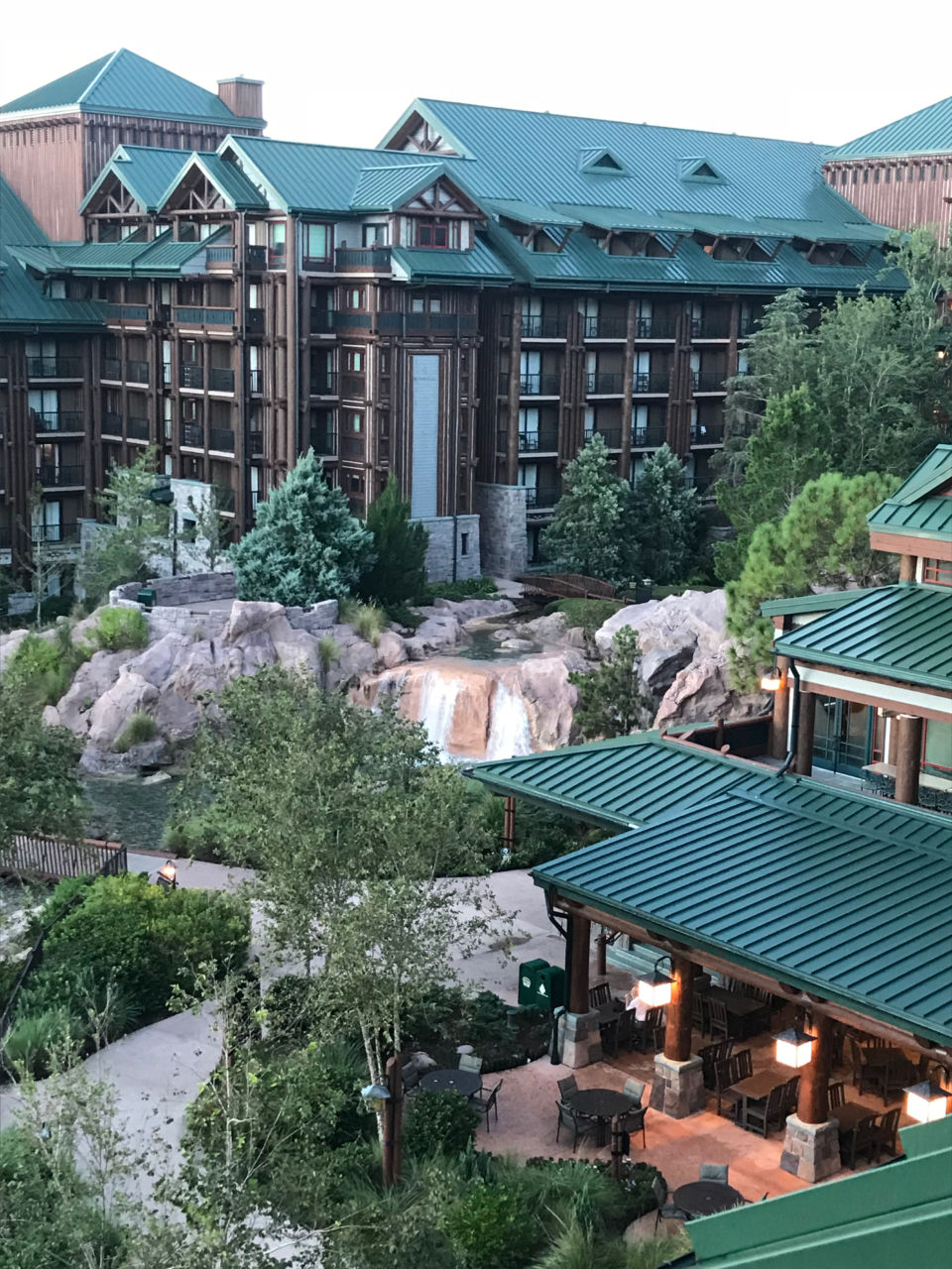 Wilderness Lodge 6th floor courtyard view room