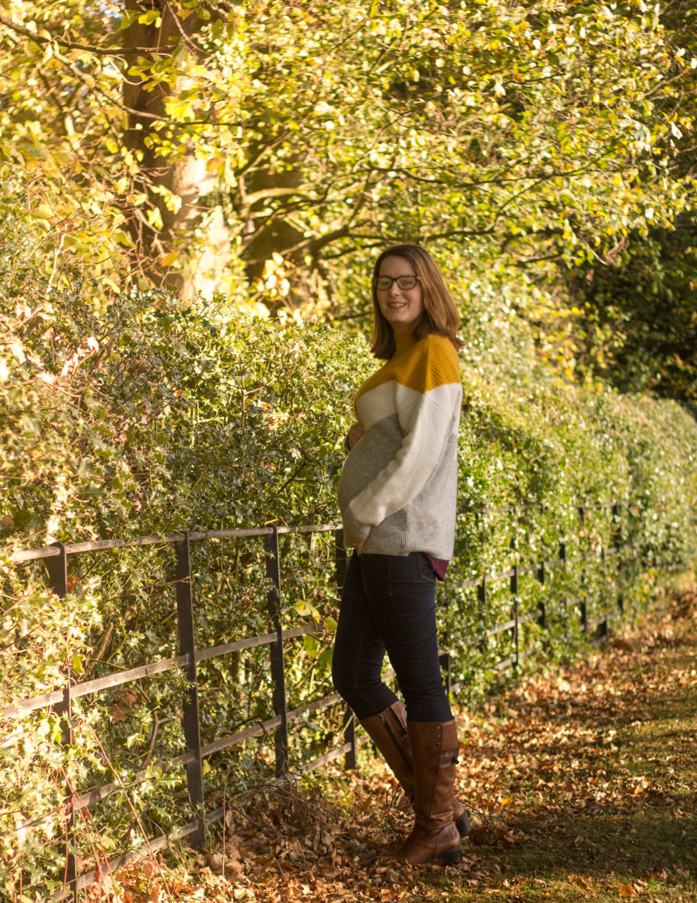 21 weeks pregnant maternity outfit - F&F autumn jumper with jeans