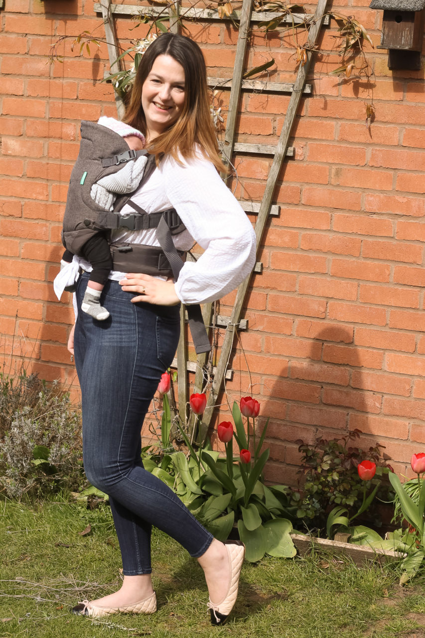 Outfits for new breastfeeding baby wearing mums